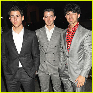 Jonas Brothers: Darby Restaurant Dinner