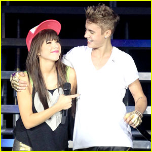 Justin Bieber & Carly Rae Jepsen Sing 'Beautiful' in Vancouver - Watch Now!