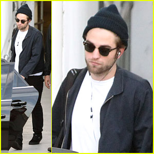 Robert Pattinson: Breaking Dawn Fan Event Tomorrow!