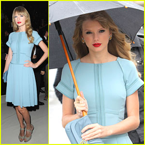 Taylor Swift: Elie Saab Show in Paris