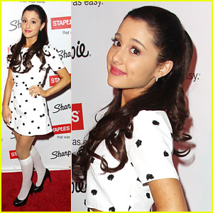 Ariana Grande: Hello, Sharpie!