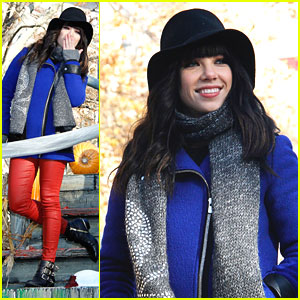 Carly Rae Jepsen Performs 'This Kiss' at Macy's Thanksgiving Day Parade - Watch Now!