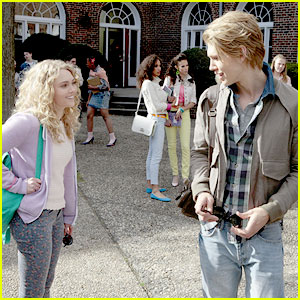 AnnaSophia Robb: 'The Carrie Diaries' Pilot Pics!