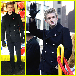 Cody Simpson: 'Wish You Were Here' at Macy's Thanksgiving Day Parade 2012