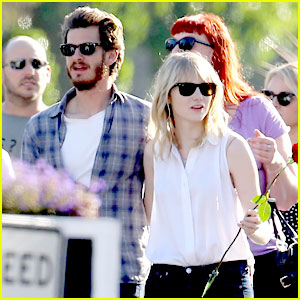 Emma Stone & Andrew Garfield: Cemetery of the Stars Tour