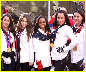 The Fierce Five: Macy's Thanksgiving Day Parade 2012!