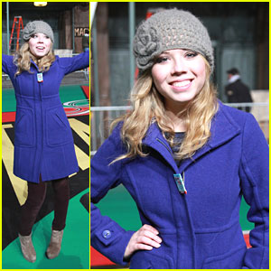 Jennette McCurdy: Macy's Thanksgiving Day Parade Rehearsals