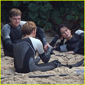 Jennifer Lawrence & Josh Hutcherson: 'Hunger Games' Beach Scenes