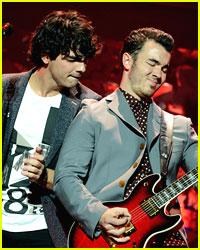 Jonas Brothers Cover Rihanna's 'Diamonds'