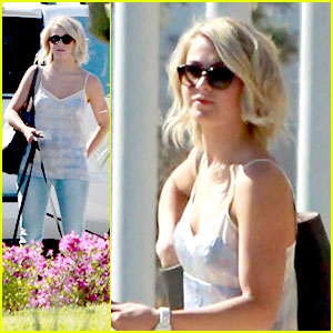 Julianne Hough: Mini Mexico Vacation with Ryan Seacrest
