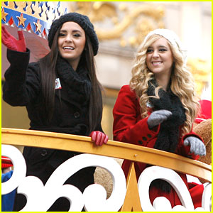 Megan & Liz: Macy's Thanksgiving Day Parade Performance - Watch Now!