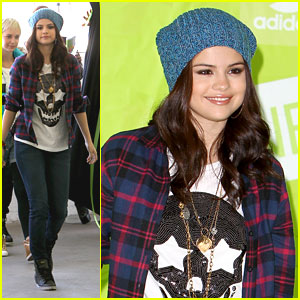 Selena Gomez: adidas Neo Photo Call