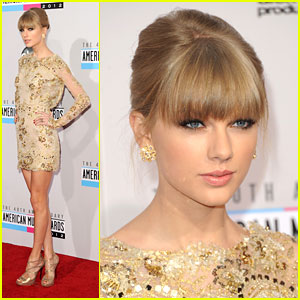 Taylor Swift WINS at AMAs 2012