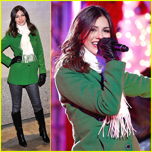 Victoria Justice: Rockefeller Center Christmas Tree Lighting Ceremony 2012