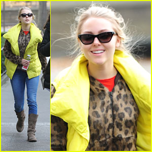 AnnaSophia Robb: Bright Vest in the Big Apple