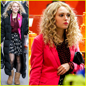 AnnaSophia Robb: Bundled Up in the Big Apple
