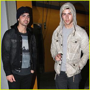 Joe & Nick Jonas: Double Date Night