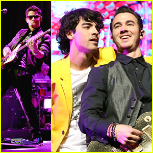 Jonas Brothers: Jingle Ball 2012!