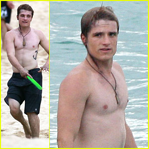 Josh Hutcherson: Frisbee on the Beach