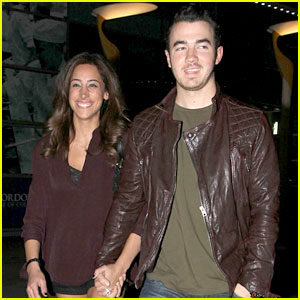 Kevin & Danielle Jonas: Movie Date Night