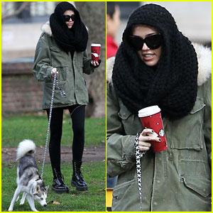 Miley Cyrus Takes Floyd for A Walk