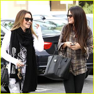 Selena Gomez: Sushi with Samantha Droke