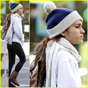 Ariana Grande Lets Boyfriend Jai Brooks Do Her Makeup - Watch Now!