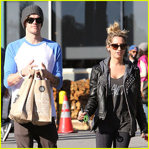 Ashley Tisdale & Christopher French: Whole Foods Stop