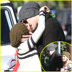 Ashley Tisdale & Christopher French: Kiss After Coffee