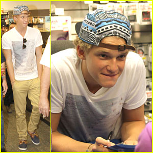 Cody Simpson: In Store Signing in Slidell