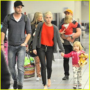 Miley Cyrus: Happy Birthday Liam Hemsworth!