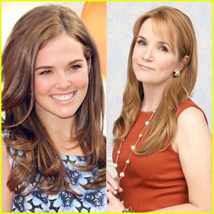 Zoey Deutch Joins Real Mom Lea Thompson on 'Switched At Birth'