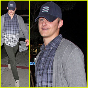 Alexander Ludwig: I Love My Fans!