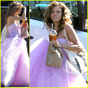 AnnaLynne McCord: Glittery Gown on '90210'