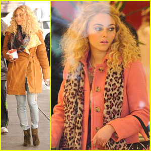 AnnaSophia Robb: On-Set Shopping Spree!