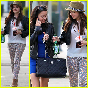 Ariel Winter: Jamba Juice with Sister Shanelle!