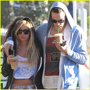 Ashley Tisdale: Starbucks Stop with Christopher French