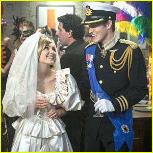 AnnaSophia Robb: Bride For Halloween on 'The Carrie Diaries'