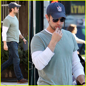 Chace Crawford: Solo Valentine's Day Lunch