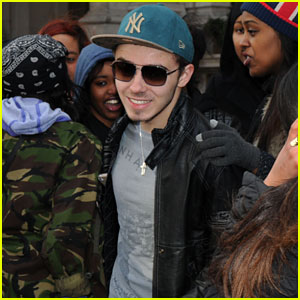 Nathan Sykes Gets His Driver's License!