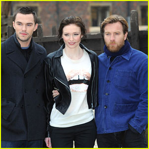 Nicholas Hoult & Eleanor Tomlinson: 'Jack The Giant Slayer' Photo Call