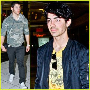 Nick and Joe Jonas: Love Bites!