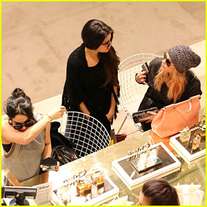 Selena Gomez, Vanessa Hudgens & Ashley Benson: Perfume Shoppers in Paris