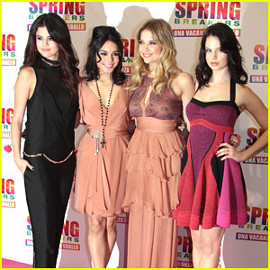 Vanessa Hudgens & Selena Gomez: 'Spring Breakers' in Rome with Ashley Benson & Rachel Korine