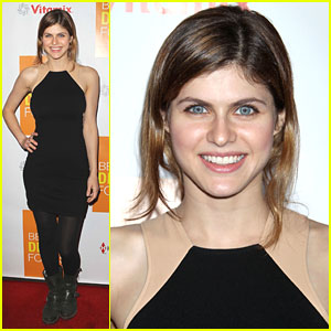 Alexandra Daddario: 'Beauty Detox Foods' Book Launch