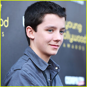 Asa Butterfield: CinemaCon's Rising Star of 2013 Honoree!