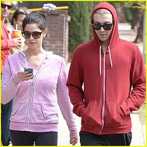 Ashley Greene: Runyon Canyon Hike