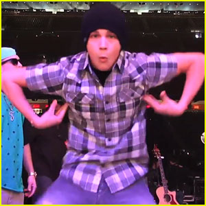 Austin Mahone: 'Harlem Shake' in Houston- Watch Now!