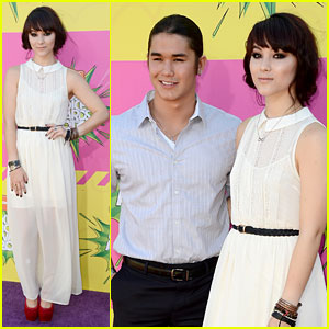 Booboo &#038; Fivel Stewart - Kids Choice Awards 2013 Red Carpet