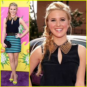 Caroline Sunshine - Kids Choice Awards 2013 Red Carpet